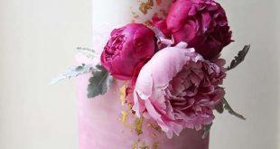 Helle Hochzeitstorte Idee für eine Frühlingshochzeit